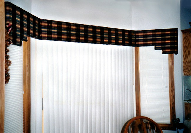 Cornices Kathie Johnson Draperies And Blinds Omaha Ne